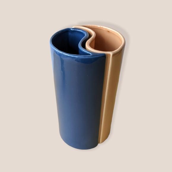 VTG 80s chic dual tone yin yang vase